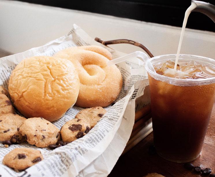 Напитки как кофе и чай в Лобби Pacific Islands Club Гуам, Тумон