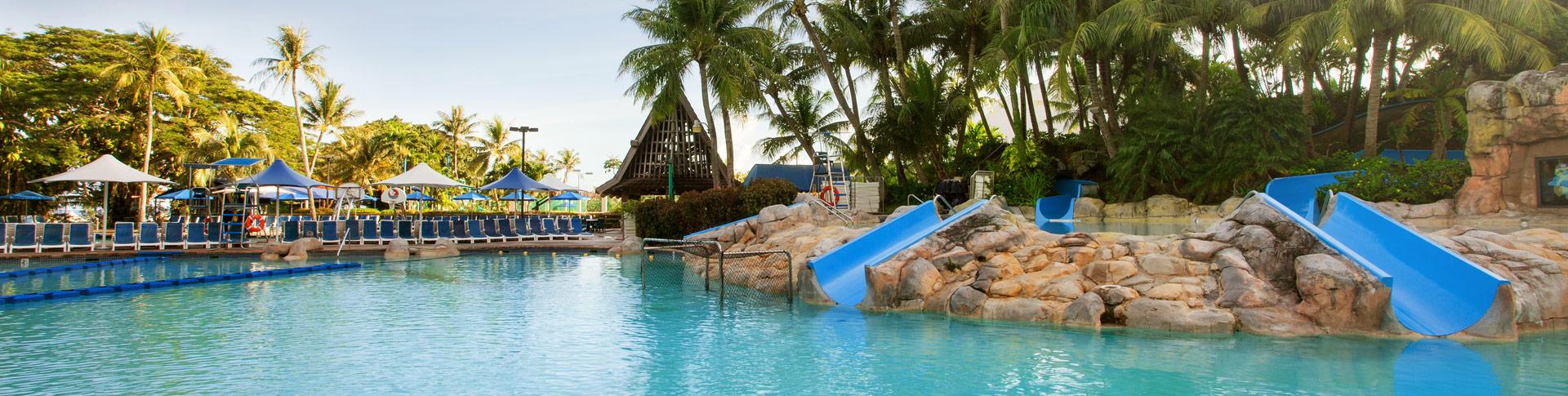 Бассейн в Pacific Islands Club Гуам, Тумон