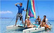 Pacific Island Clubs Amenities - Хождение под парусом
