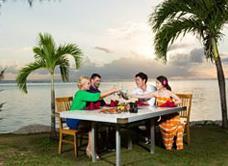 Ресторан Beach Side BBQ в Pacificl Islands Clubs